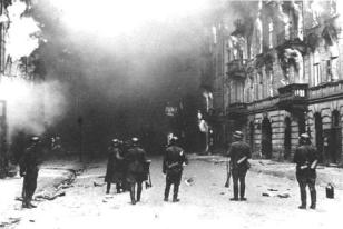 BurningOfWarsawGhetto-469x315